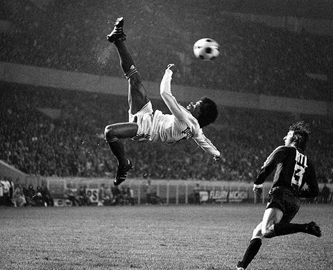 PSG v OM, Jairzinho overhead kick