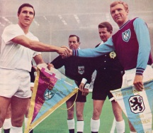 Bobby Moore, CWC Final, West Ham 1965