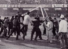 Napoli fans riot v Modena, 1963
