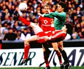 Mark Hughes, Bayern Munich 1988