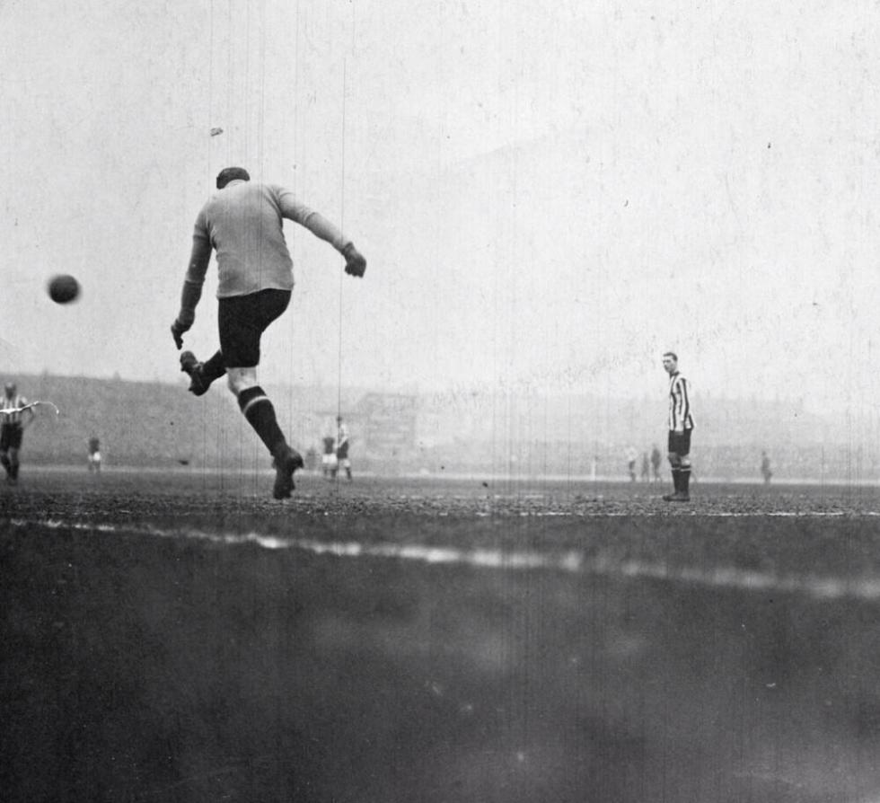 Sunderland v Burnley FA Cup semi-final Bramall Lane 1913