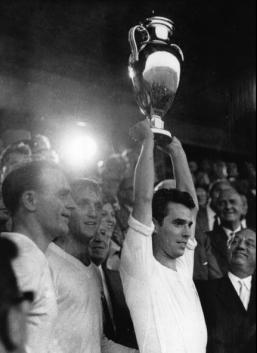 1959 European Cup Final, Real Madrid captain Jose Maria Zarraga