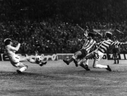 1974 European Cup semi-final, Garate scores for Atl Madrid v Celtic