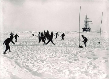 1914 - Arctic football