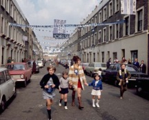 1970 - Chelsea fans prepare for the Final in Slaidburn St, London