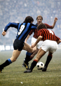 Luciano Zecchini v Roberto Boninsegna, Inter v Milan, 1974