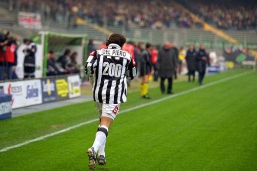 Alessandro Del Piero celebrates 200 Serie A goals