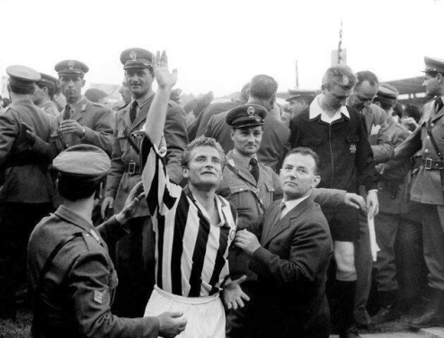 Giampiero Boniperti celebrates Juventus defeating Inter Milan 9-1, 1961