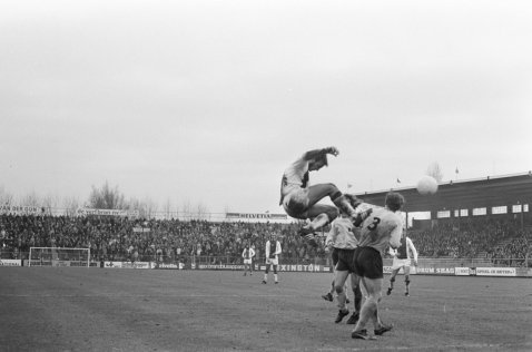 Neeskens flying kick