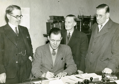Johnny Love signing for Albion Rovers, February 1948