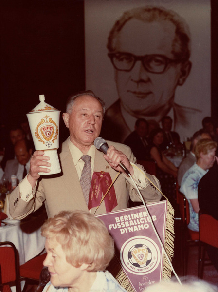 Erich Mielke makes a speech at a BFC Dynamo celebration dinner, 1982
