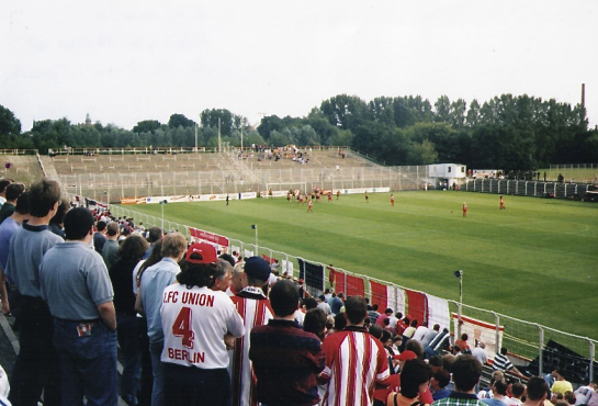 Union versus English club Wolverhampton Wolves at die Alte Försterei, July 1998 (photo - editor).