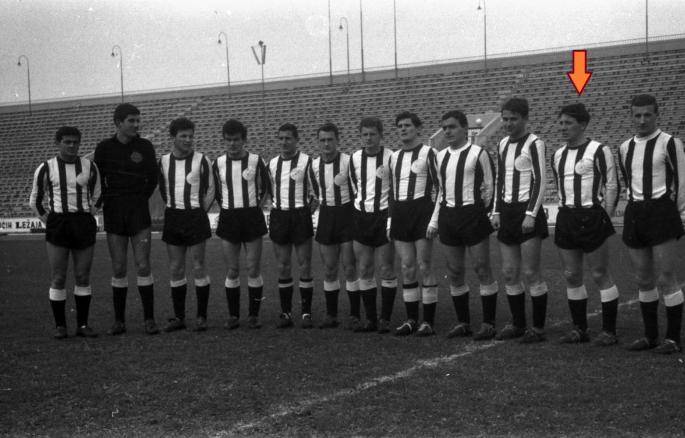 Zivko is indicated on this 1962 Partizan Belgrade team shot.