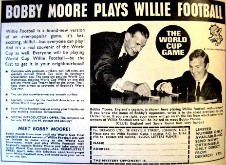 bobby-moore-willie-football