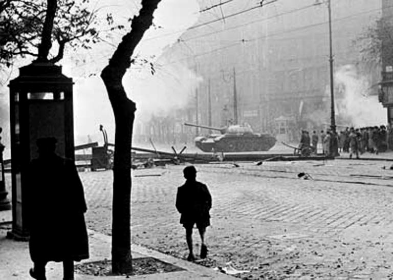 soviet-tank-in-budapest-1956
