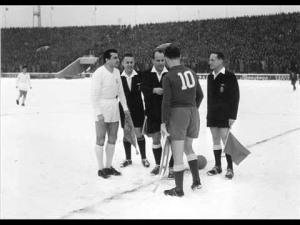 Bobek (Partizan) and Amancio (Real Madrid), 1956