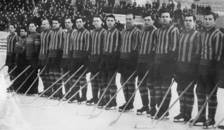 vvs-moscow-ice-hockey-team-1953